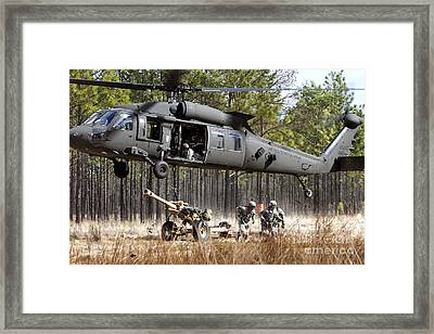 Paratroopers Connect A Howitzer Framed Print by Stocktrek Images