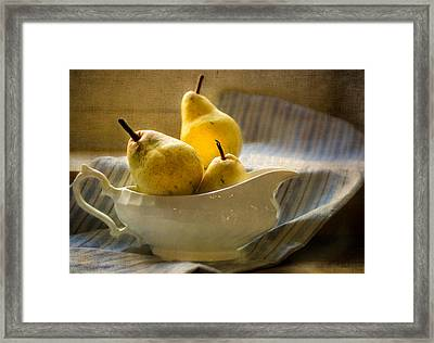 Pears In A Bowl Framed Print by Elly De vries