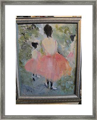 Pink Ballet Framed Print by Les Smith