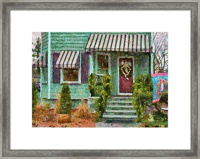 Porch - Westfield Nj - Welcome Friends Framed Print by Mike Savad