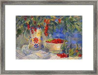 Red Currants Framed Print by Sue Wales