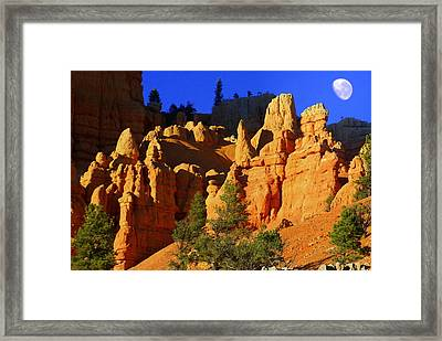 Red Rock Canoyon Moonrise Framed Print by Marty Koch