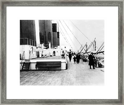 Rms Titanic, Which Sank After Hitting Framed Print by Everett