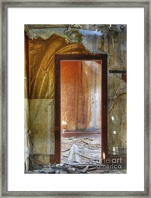 Room To Rent Framed Print by Juli Scalzi