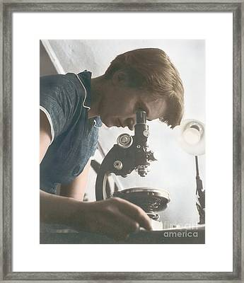 Rosalind Franklin, English X-ray Framed Print by Science Source