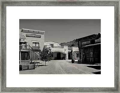 Rosa's Cantina Framed Print by Gordon Beck