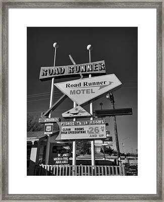 Route 66 - Road Runner Motel 001 Bw Framed Print by Lance Vaughn