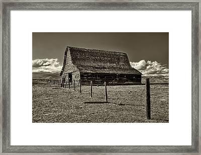 Rural Montana Barn In Sepia Framed Print by Mark Kiver