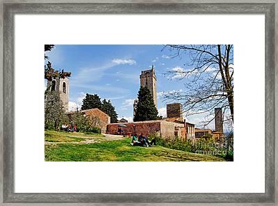 San Gimignano - Toscana - Italia - Rocca Di Montestaffoli Framed Print by Carlos Alkmin