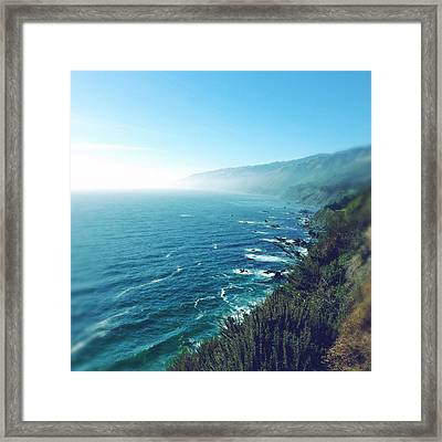 Sea And Coastline Framed Print by Les Cunliffe