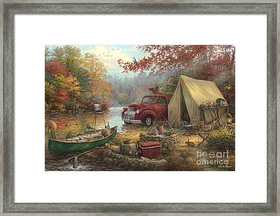 Share The Outdoors Framed Print by Chuck Pinson