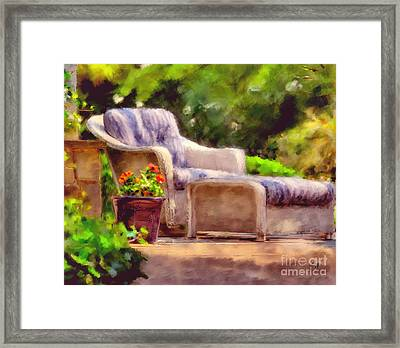 Sitting Pretty Framed Print by Lois Bryan