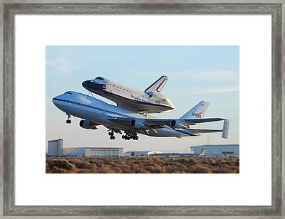 Space Shuttle Atalantis Departs Edwards Afb July 1 2007 Framed Print by Brian Lockett