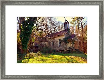 St Simon Church Peak Sc Framed Print by Lisa Wooten