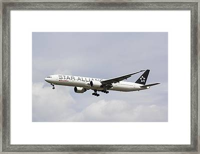 Star Alliance Boeing 777 Framed Print by David Pyatt