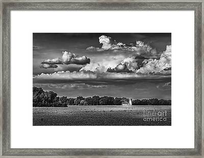 Storm A Coming-bw Framed Print by Marvin Spates