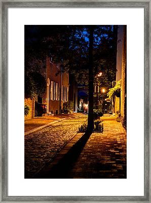 Street In Olde Town Philadelphia Framed Print by Mark Dodd