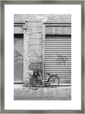 Streets Of Florence Italy Framed Print by Edward Fielding
