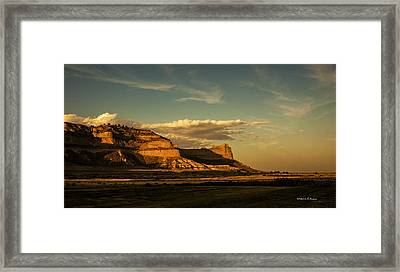 Sunset At Scotts Bluff National Monument Framed Print by Edward Peterson