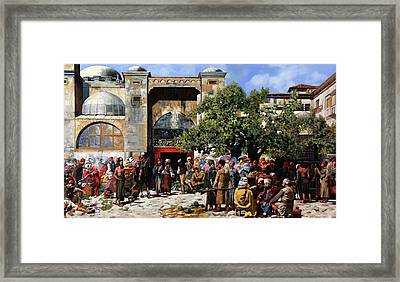 Tanta Gente Framed Print by Guido Borelli