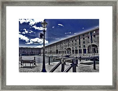 Tate At Liverpool's Albert Dock Framed Print by Colin Perkins