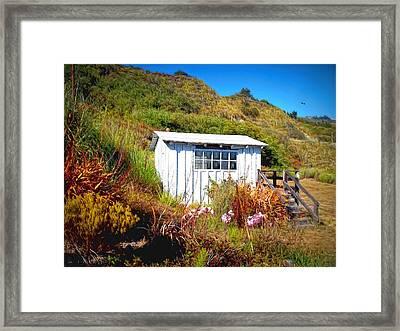 The Cliff Shack Framed Print by Glenn McCarthy