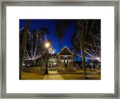 The Government House Night Of Lights Framed Print by D Hackett