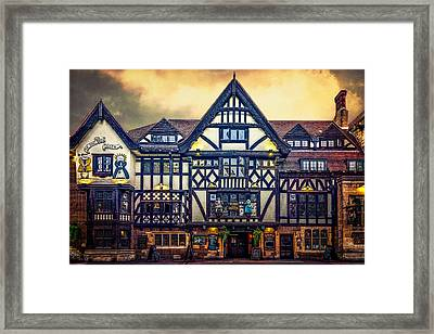 The King And Queen Framed Print by Chris Lord