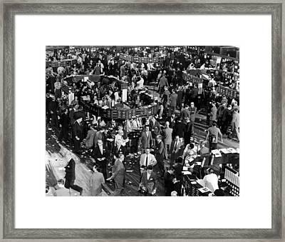 The New York Stock Exchange, New York Framed Print by Everett