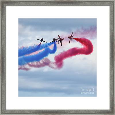 The Red Arrows Framed Print by Stephen Smith