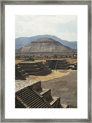 The Temple Of The Sun At Teotihuacan Framed Print by Martin Gray