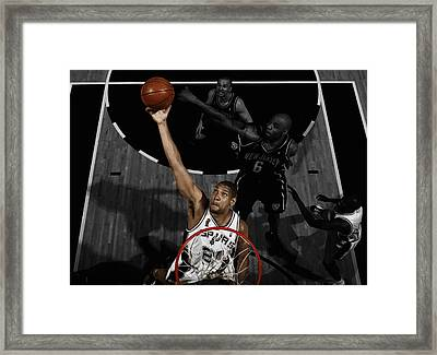 Tim Duncan 5s Framed Print by Brian Reaves