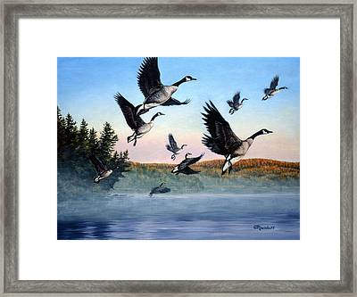Time To Go Framed Print by Richard De Wolfe