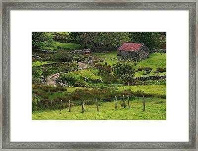 Traditional Cottages, Dan Oharas Framed Print by The Irish Image Collection