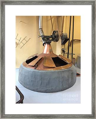 Traditional Kettle Framed Print by Evan N