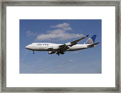 United Airlines Boeing 747 Framed Print by David Pyatt
