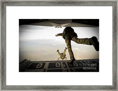 U.s. Army Green Berets Jump Framed Print by Stocktrek Images