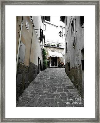 Wine Shop In Radda Framed Print by Linda Ryan