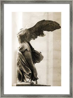 Winged Victory Of Samothrace Framed Print by Hsin Liu