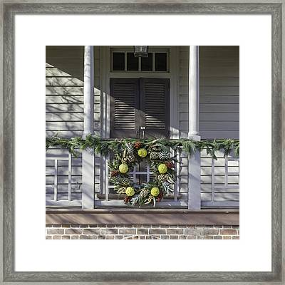Wreath At Robert Carter House Framed Print by Teresa Mucha