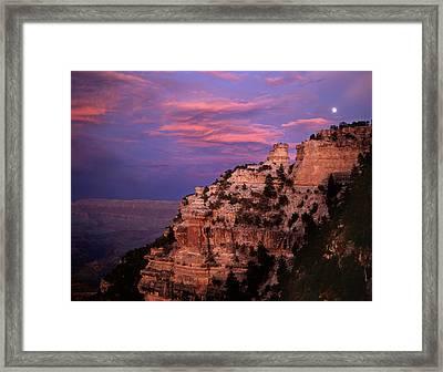 Yaki Point Moonrise Framed Print by Mike Buchheit