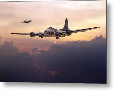 B17- Last Home Metal Print by Pat Speirs