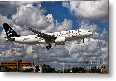 Airbus A-330 Avianca Airlines Metal Print by Rene Triay Photography