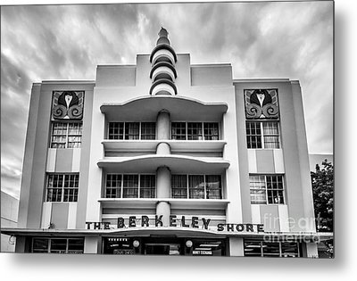 Berkeley Shores Hotel  2 - South Beach - Miami - Florida - Black And White Metal Print by Ian Monk
