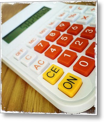Calculator Metal Print by Les Cunliffe