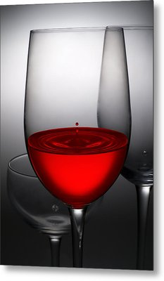 Drops Of Wine In Wine Glasses Metal Print by Setsiri Silapasuwanchai
