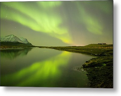 Green Reflection Metal Print by Thorir Bjorgvinsson