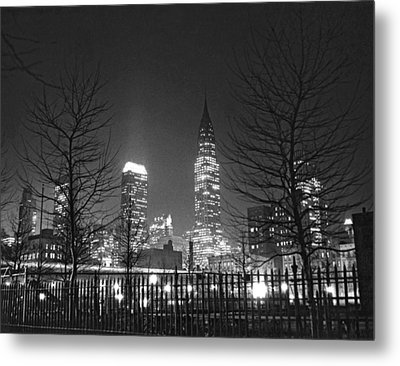 Midtown Manhattan At Night Metal Print by Underwood Archives