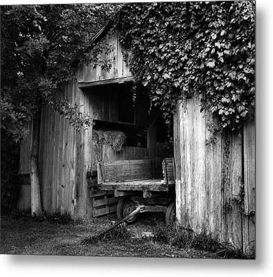 Old Barn And Wagon Metal Print by Julie Dant
