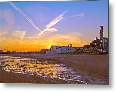 Provincetown Beach At Sunset Metal Print by Frank Winters